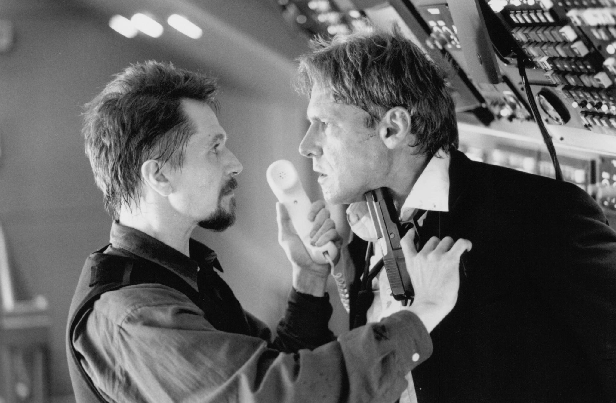 still-of-harrison-ford-and-gary-oldman-in-air-force-one-(1997)-large-picture