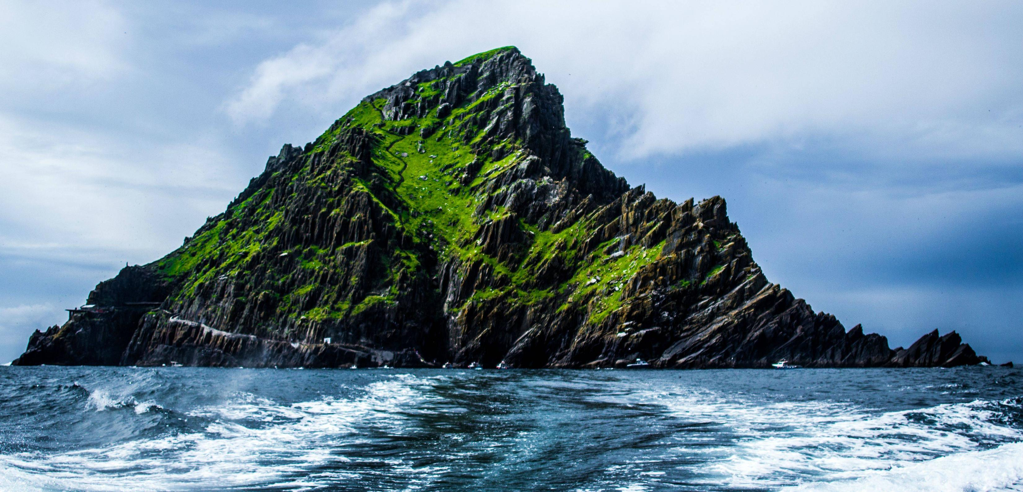 Episode VII Filming on Skellig Michael? Send in the Navy ...
